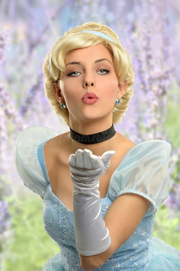 A jovem mulher vestiu-se no vestido do vintage fotos de stock royalty free