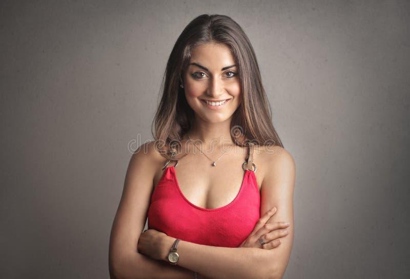 Jovem senhora com um sorriso bonito fotos de stock royalty free