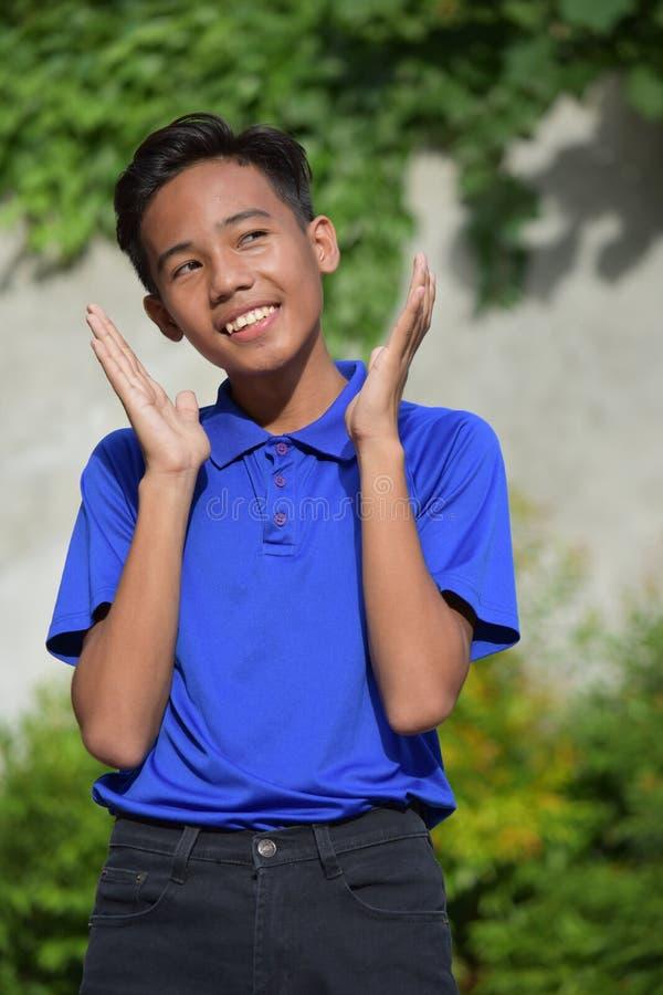 Joven filipino apuesto sorprendido fotos de archivo libres de regalías