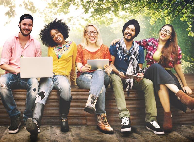 Jovens Team Together Cheerful Concept dos adolescentes fotos de stock