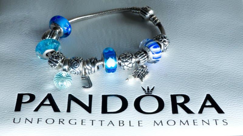 Joyería famosa de Pandora foto de archivo libre de regalías