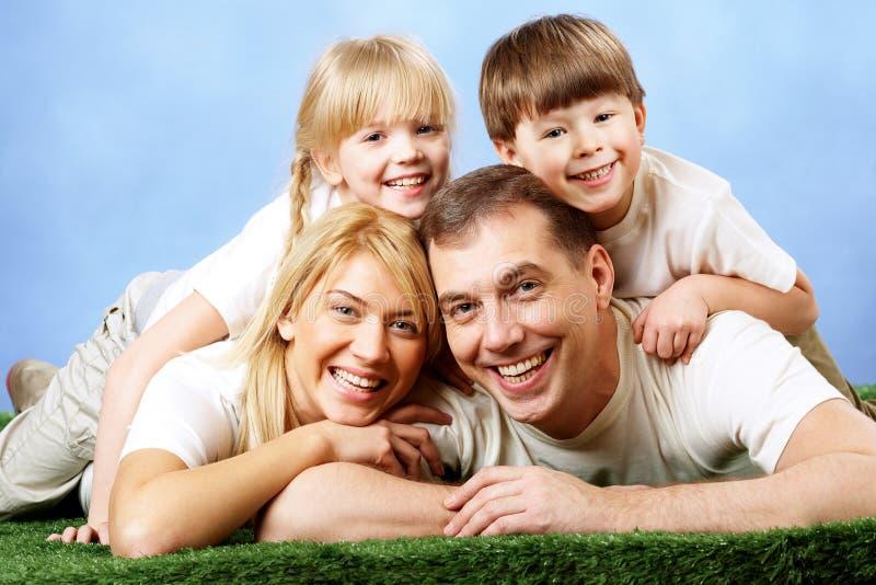 joyful familj royaltyfria foton