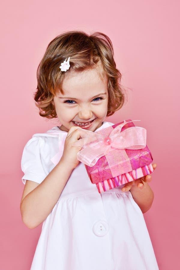 Joyfull kleines Mädchen lizenzfreie stockfotos
