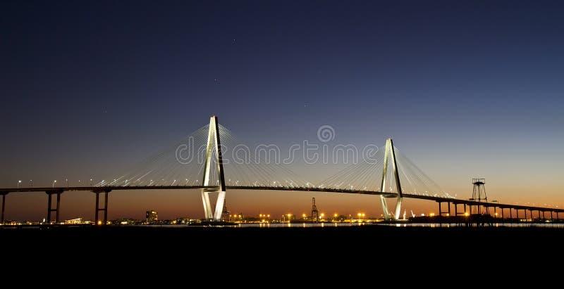 JR puente de Arturo Ravenel en el crepúsculo fotografía de archivo libre de regalías