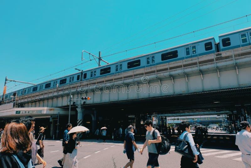 JR Skytrain w Ueno stacji fotografia stock