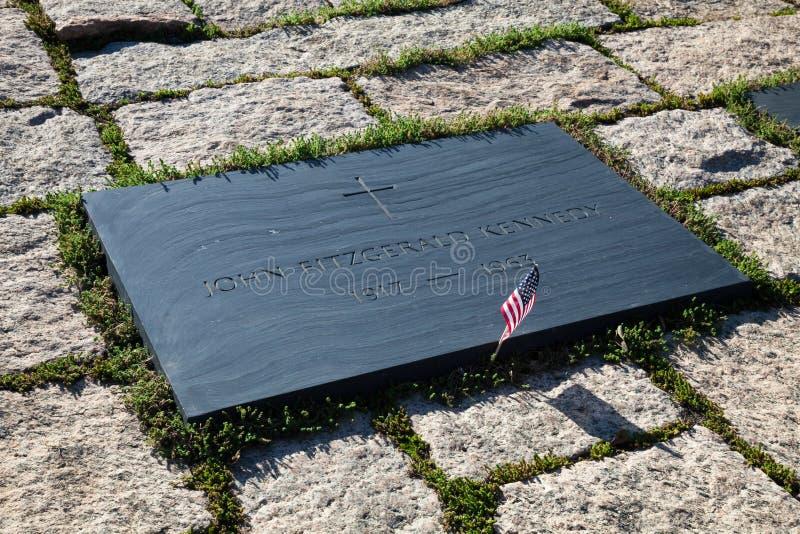 Juan F Kennedy Gravestone en Washington Memorial, Arlington Ceme fotos de archivo libres de regalías