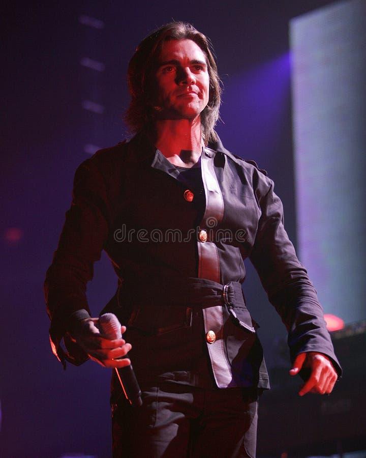 Juanes führt im Konzert durch stockfotos