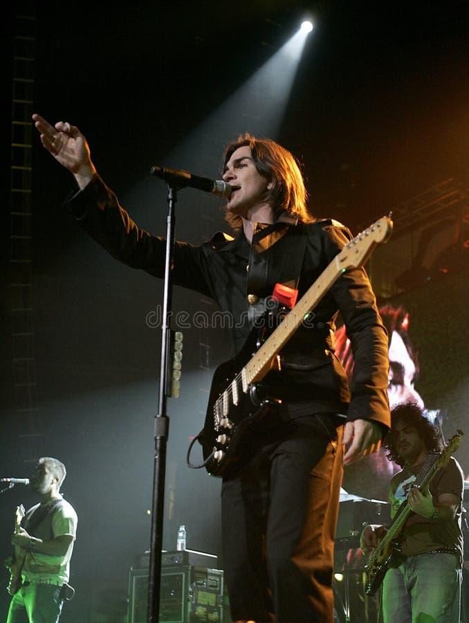 Juanes führt im Konzert durch stockbilder