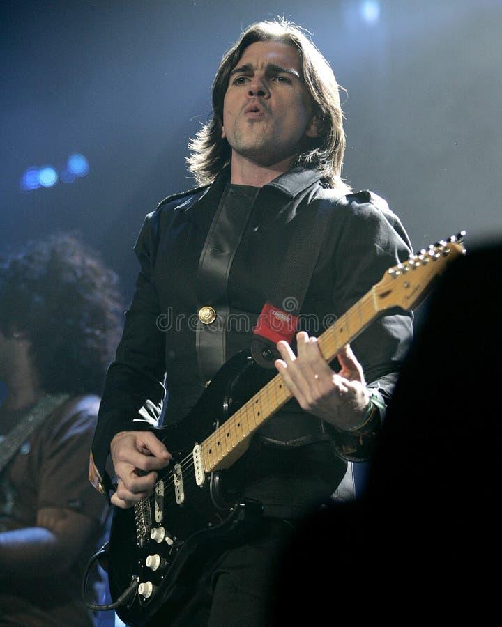 Juanes führt im Konzert durch lizenzfreie stockfotografie