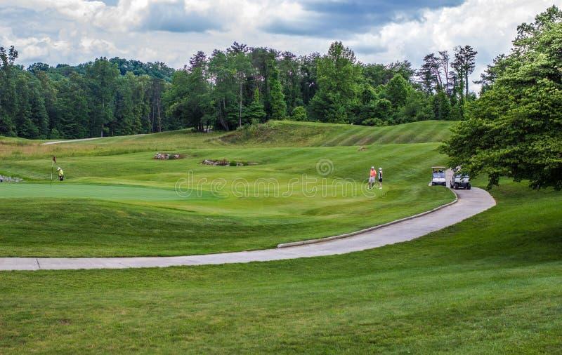 Jubilados de Kentucky en campo de golf imagen de archivo