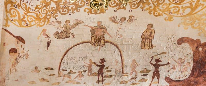 Judgmenmt Christ i dzień siedzimy na tęczy, antyczny fresk zdjęcia royalty free