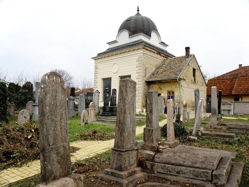 Judisk kyrkogårdgravstenpanorama royaltyfri bild