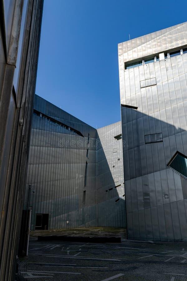 Judiskt museum av Berlin, arkitektonisk gr?nsm?rke royaltyfria foton