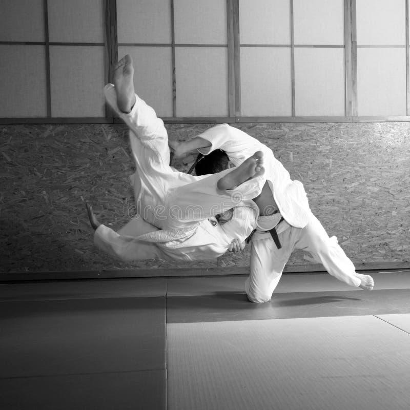 Judokampf lizenzfreie stockfotos