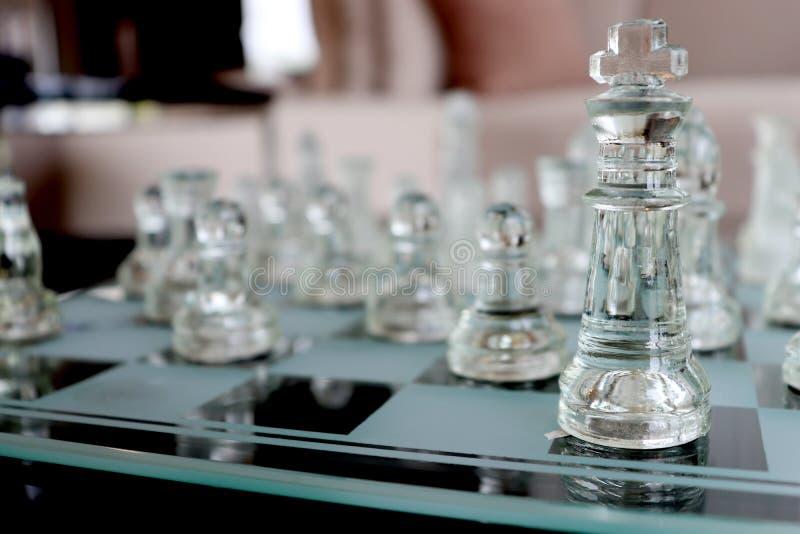 Juego de ajedrez claro imagenes de archivo