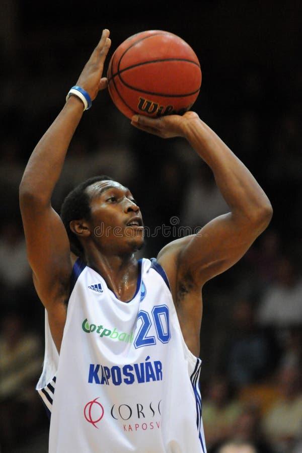 Juego de baloncesto de Kaposvar - de Salgotarjan fotos de archivo