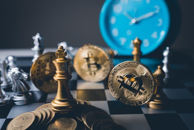 Juego de mesa del ajedrez de ideas del negocio y competencia y estrategia foto de archivo libre de regalías