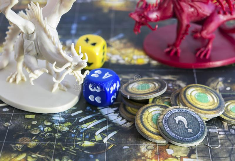 Juego de mesa, papel que juega al juego, mazmorras y dragones de la pendiente, dnd foto de archivo
