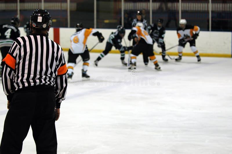 Juego del hockey sobre hielo imagen de archivo libre de regalías