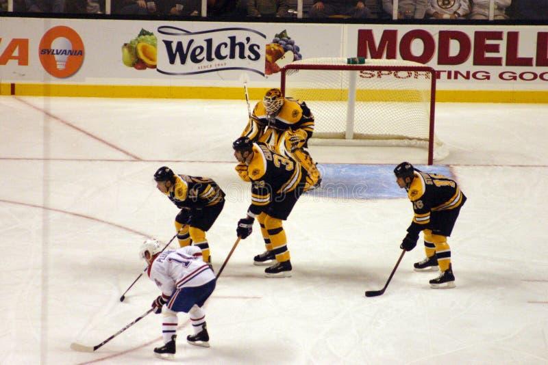 Juego del hockey sobre hielo foto de archivo
