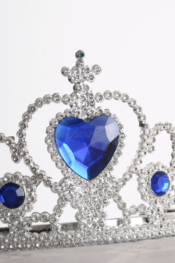 Diamante y tiara azul del zafiro fotos de archivo libres de regalías