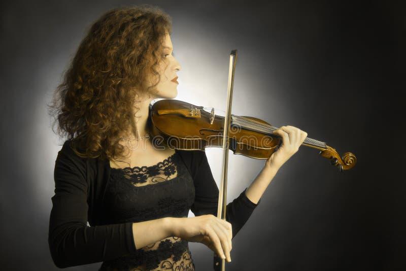 Jugador clásico del violín del músico imagen de archivo libre de regalías