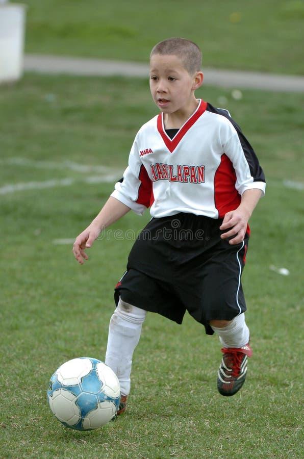Jugador de fútbol de la juventud imágenes de archivo libres de regalías