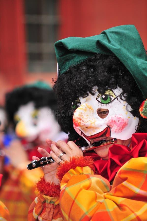 Jugador de flauta enmascarado foto de archivo libre de regalías