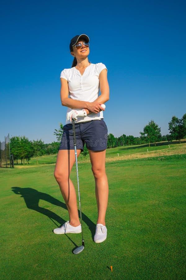 Jugador de golf de la mujer fotografía de archivo libre de regalías
