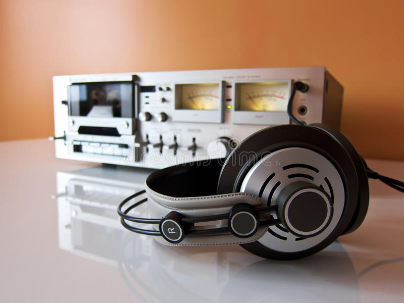 Jugador de registrador estéreo de la cubierta de cinta de cassette imagenes de archivo