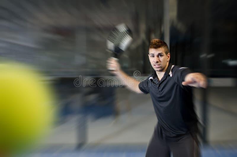 Jugador de tenis de la paleta fotos de archivo