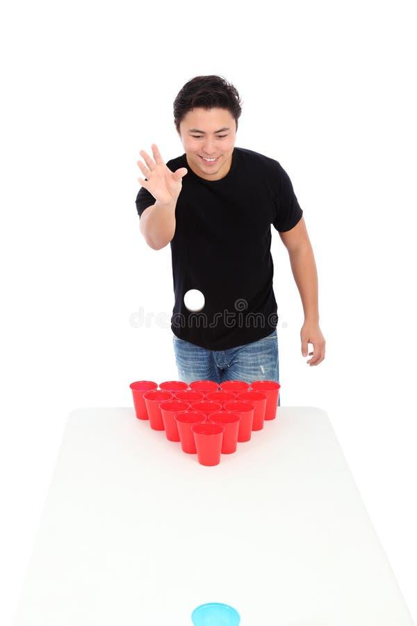 Jugador del pong de la cerveza fotos de archivo libres de regalías