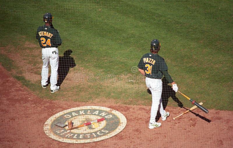 Jugadores de béisbol del coliseo de Oakland a imagen de archivo