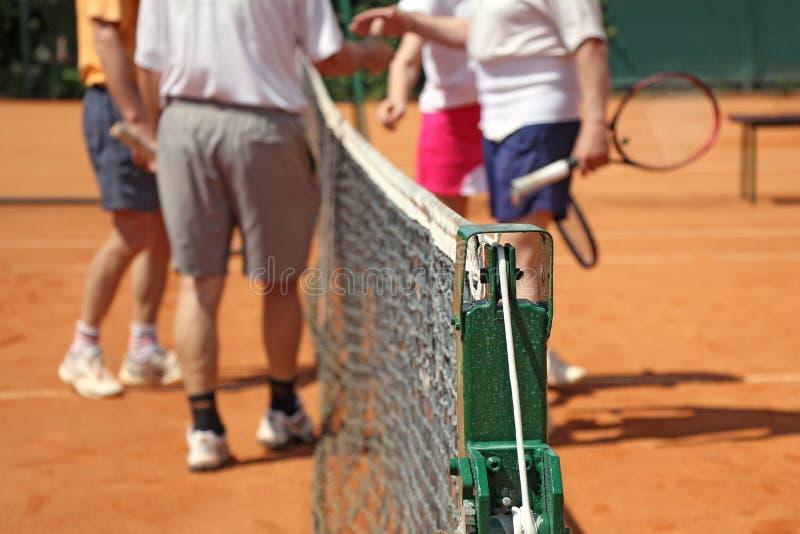 Jugadores de tenis de los dobles mezclados imagenes de archivo