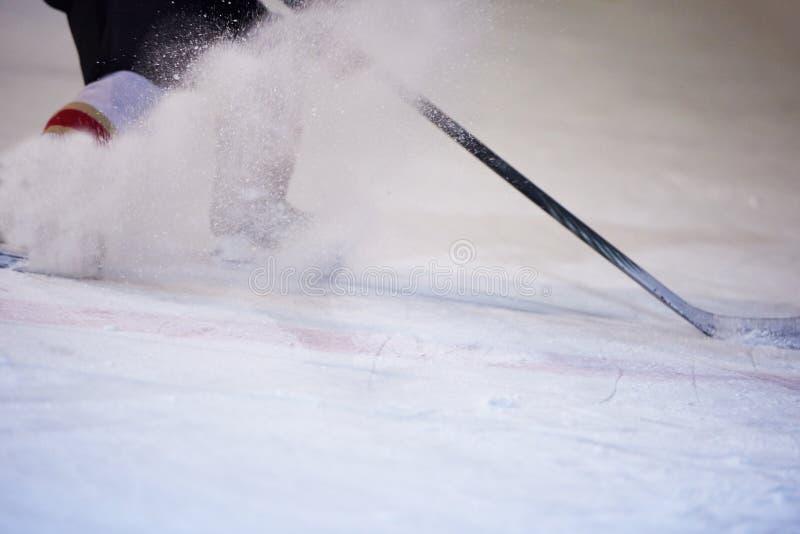 Jugadores del deporte del hockey sobre hielo fotografía de archivo