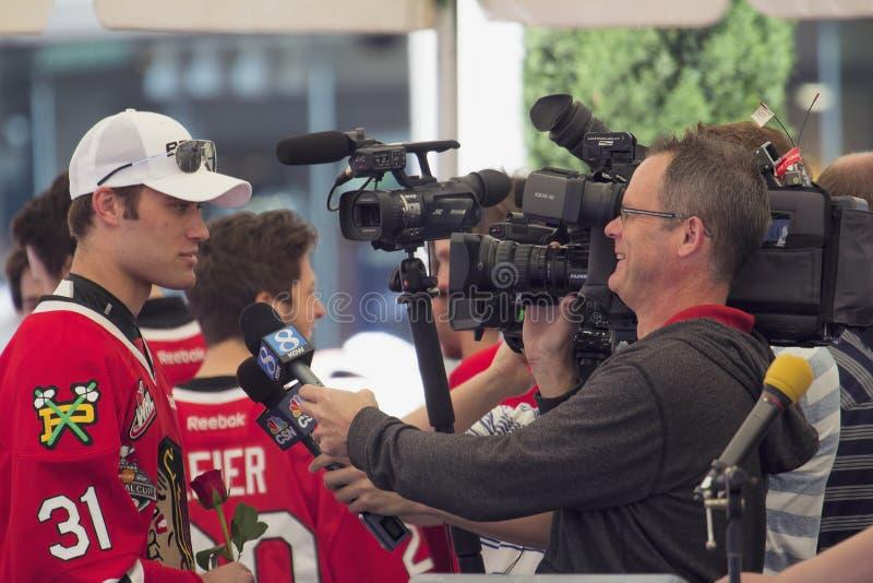 Jugadores del hockey sobre hielo de Portland Winterhawks entrevistados con imagen de archivo libre de regalías