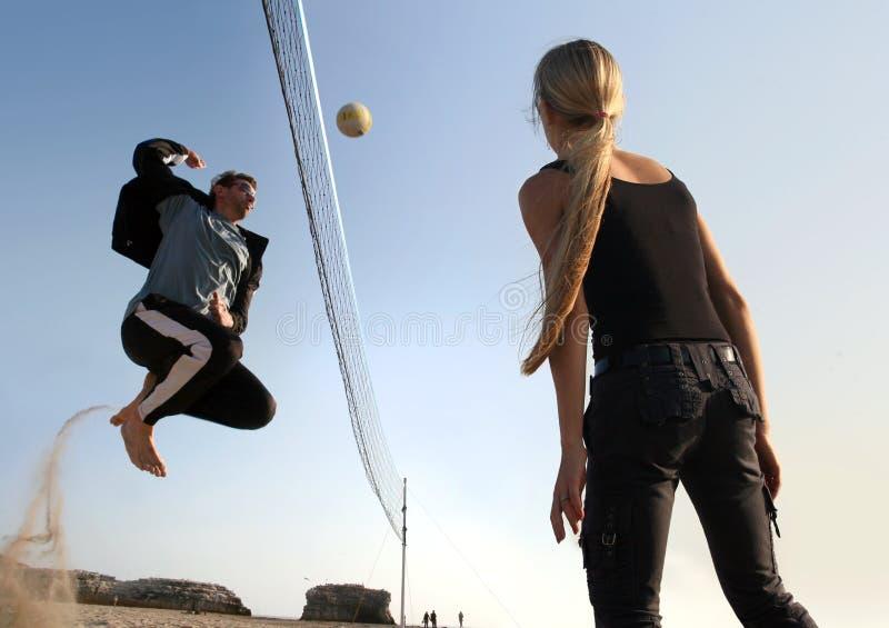 Jugadores del voleibol imagen de archivo