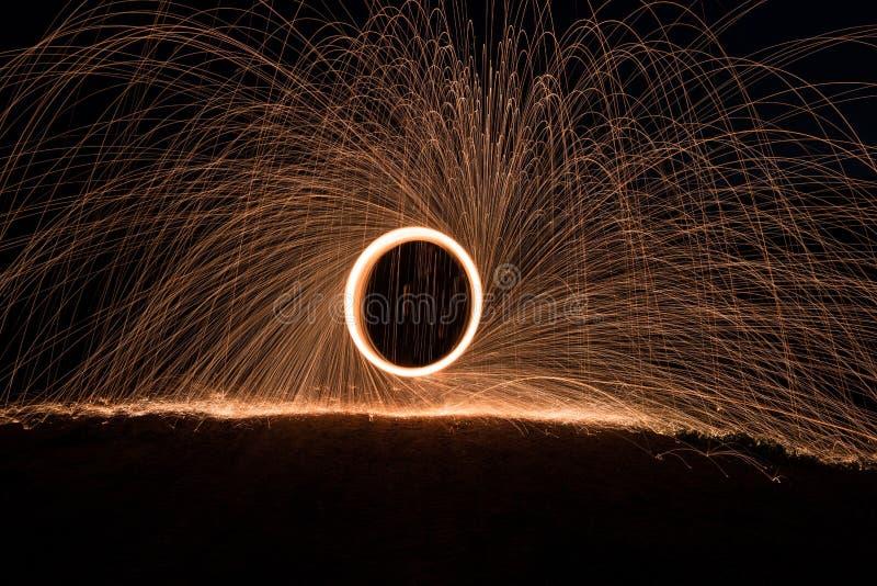 Jugando con fuego y luz fotografía de archivo libre de regalías