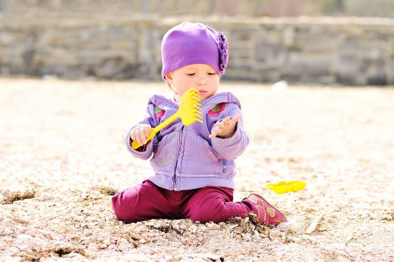 Jugar al bebé fotografía de archivo libre de regalías
