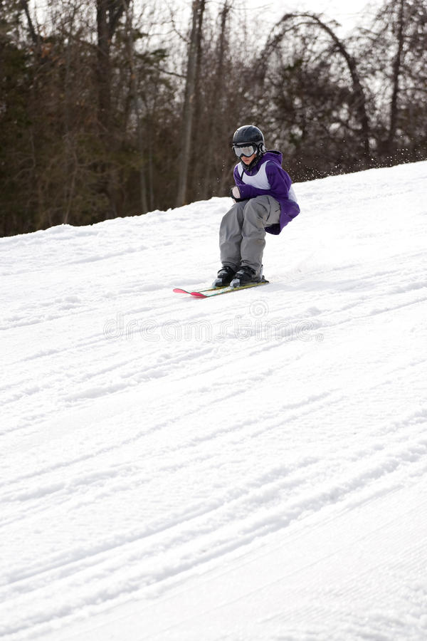 Jugend-Freistil-Skifahren lizenzfreies stockbild