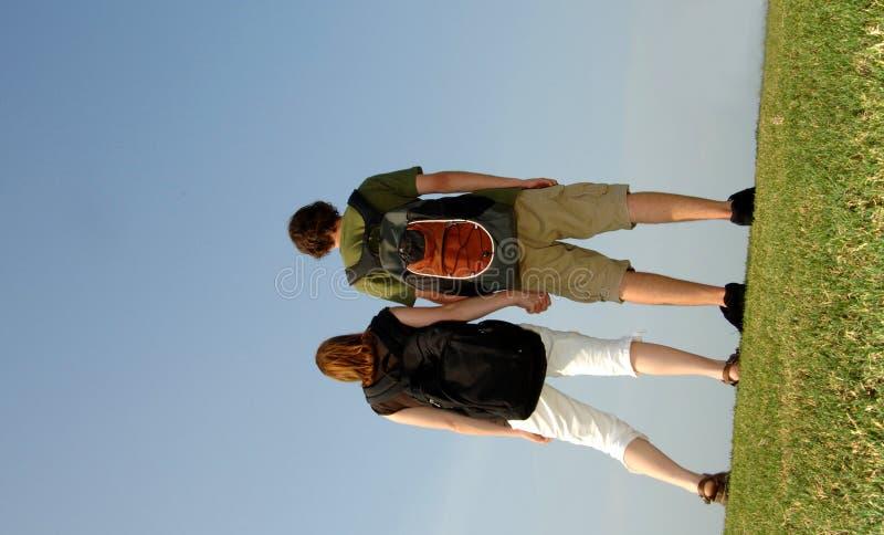 Jugendlich Kursteilnehmer draußen stockbilder