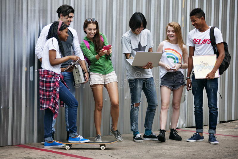 Jugendlich-Lebensstil-zufälliges Kultur-Jugend-Art-Konzept stockbild