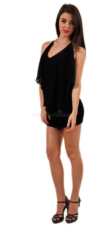 Jugendlich Mädchen in einem kurzen schwarzen Kleid stockbilder