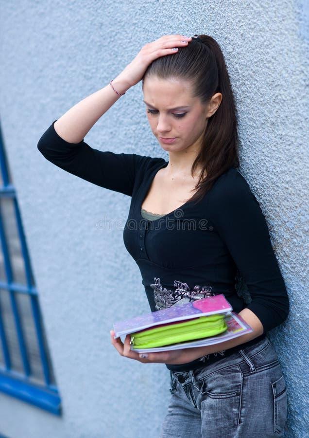 Jugendlich Mädchen mit Büchern lizenzfreies stockbild