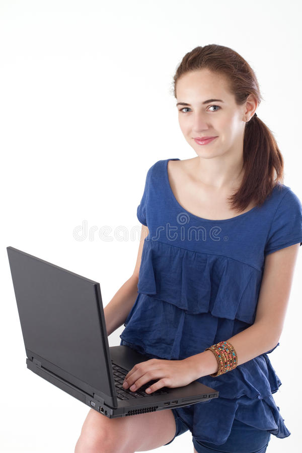 Jugendlich Mädchen mit Laptop stockfotografie