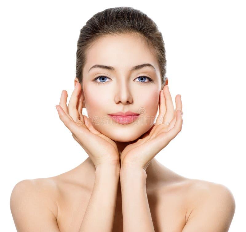 Jugendlich Mädchen mit sauberer frischer Haut lizenzfreie stockbilder