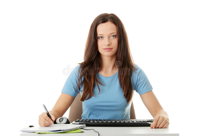 Jugendlich Mädchenlernen lizenzfreies stockbild