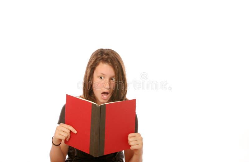 Jugendlich Mädchenstudieren lizenzfreies stockbild