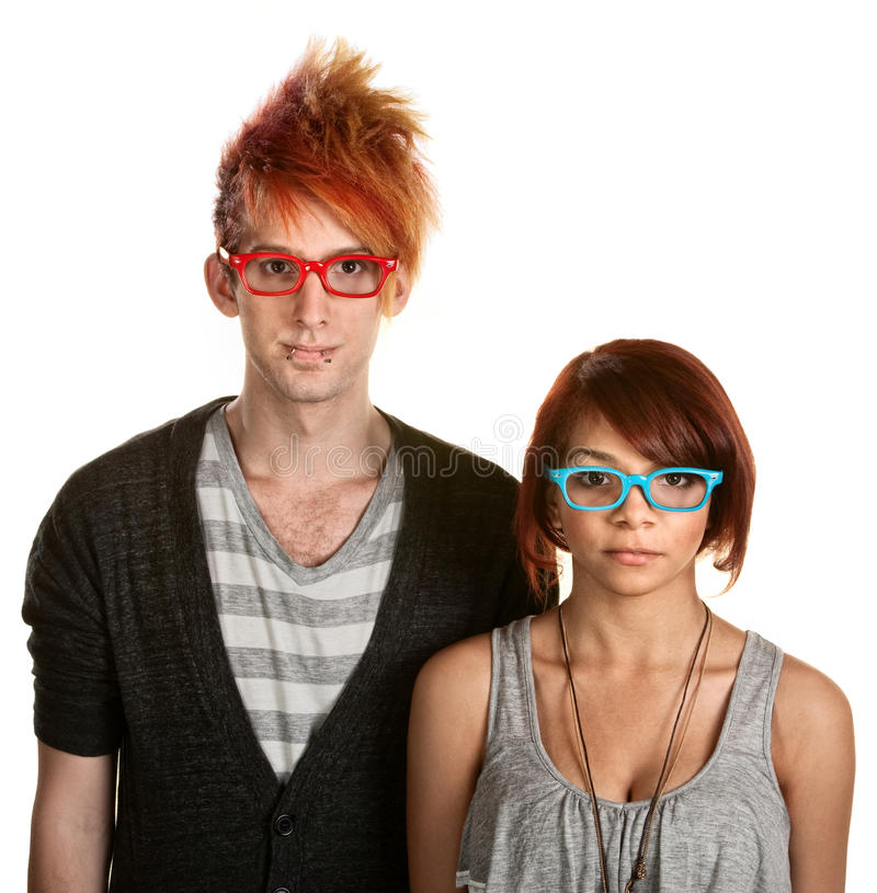 Jugendlich Paare mit Gläsern stockbild