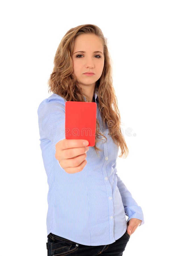 Jugendliche, die rote Karte zeigt stockbild